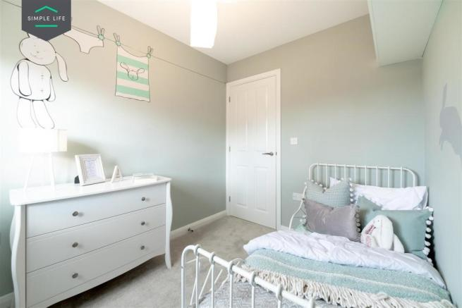 Holly_bedroom4.jpg