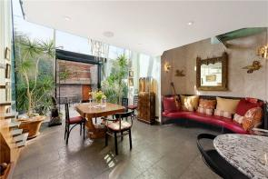 Photo of Clarendon Road, Holland Park, W11
