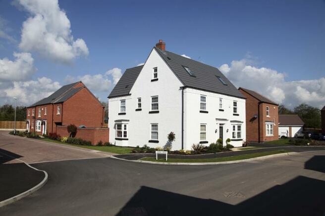 Five bedroom home at Papplewick Green