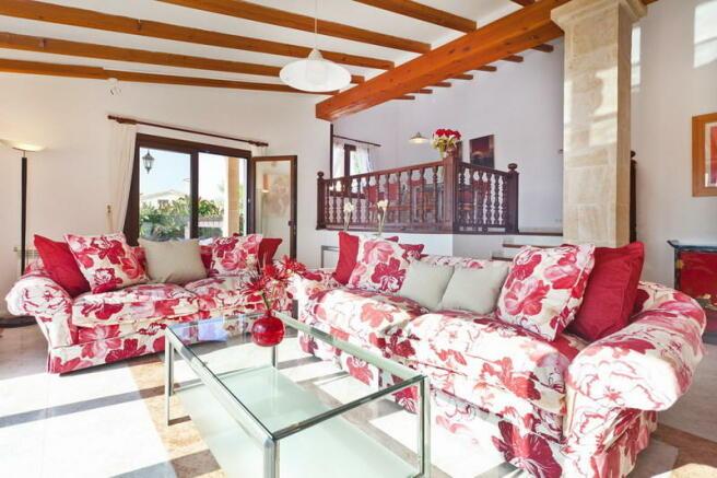 Splendid villa with stunning seaviews