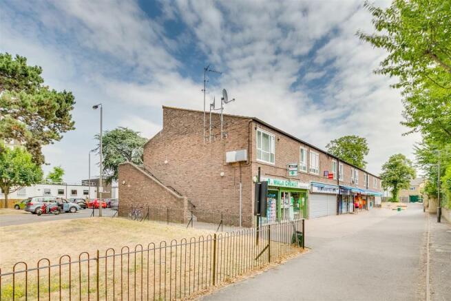 Rockingham Close flat 11-10.jpg