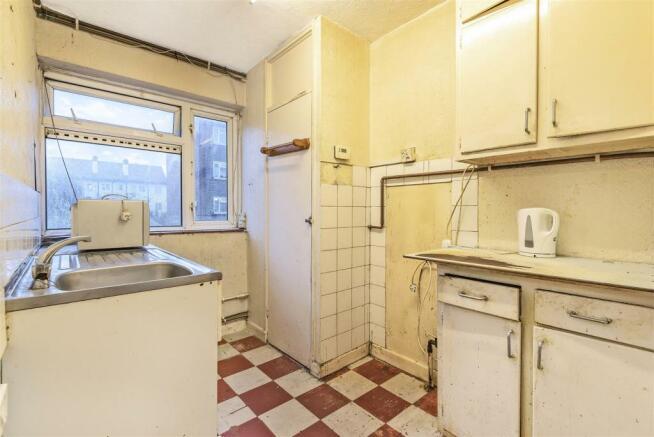 2 bedroom flat for sale in Railway Side, Barnes, SW13, SW13