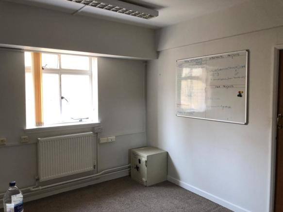 PHOTO 3  Office Suite Portsmouth Guildhall  inte
