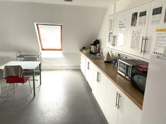 PHOTO 3  45 South Street Chichester  kitchen top