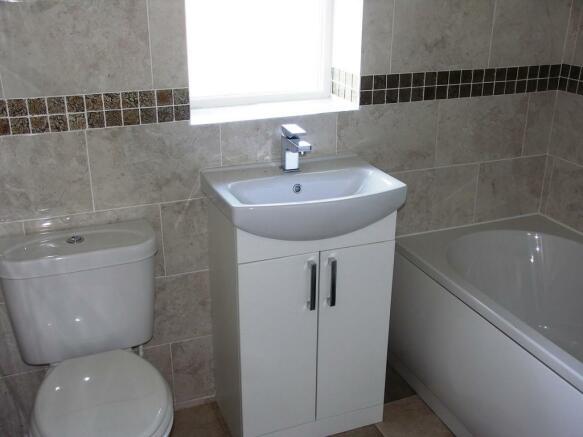 Bathroom S60 3EU