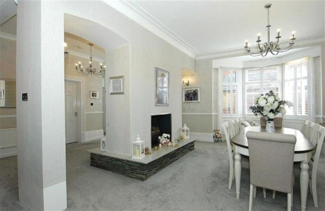 ** Attractive Dining Room To The Side