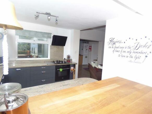 Open Plan Garden Room and Kitchen