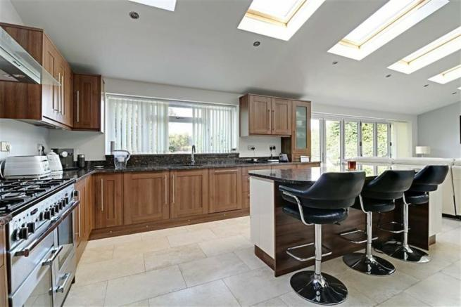 EXTENDED AND STUNNING KITCHEN/FAMILY ROOM AREA mea