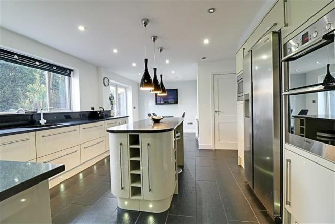 FITTED KITCHEN / DINER measuring