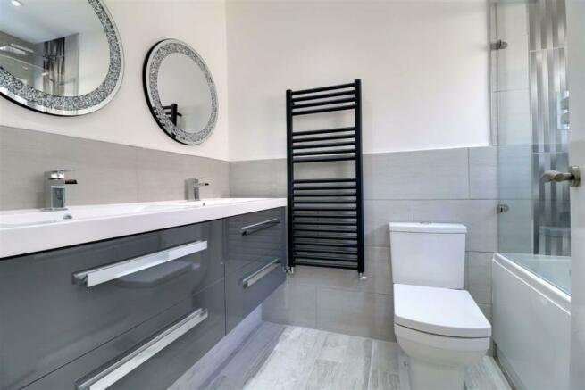 REFURBISHED FAMILY BATHROOM/WC