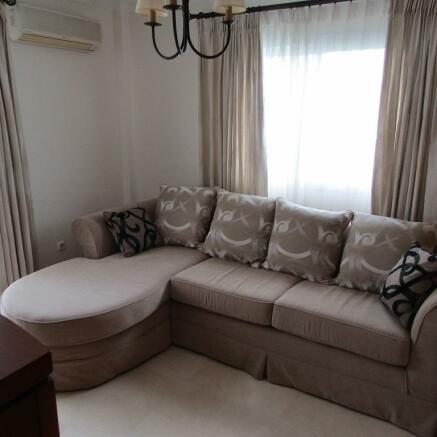 Extra bedroom & ensu