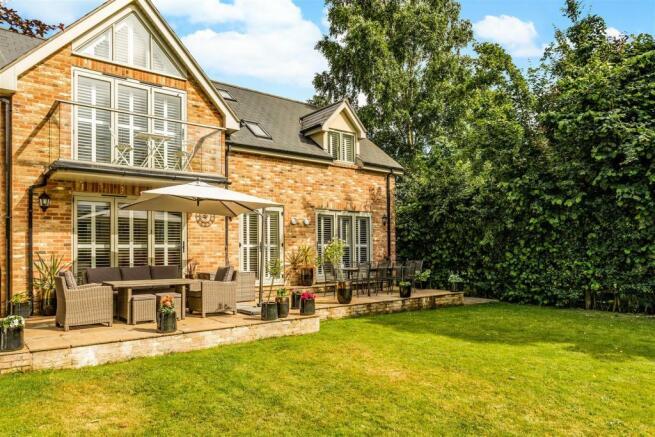 Beechcote House fpz212694 (12).jpg