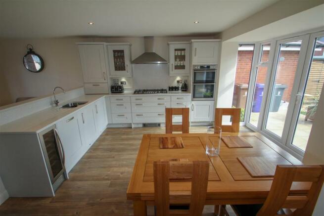 Open Plan Kitchen Diner Family Room