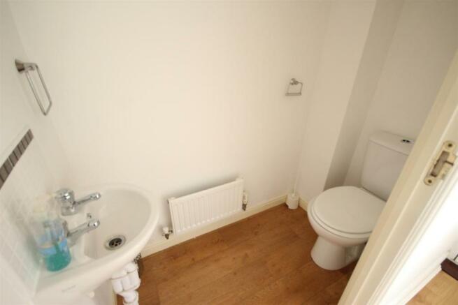 Guest Cloakroom/ WC