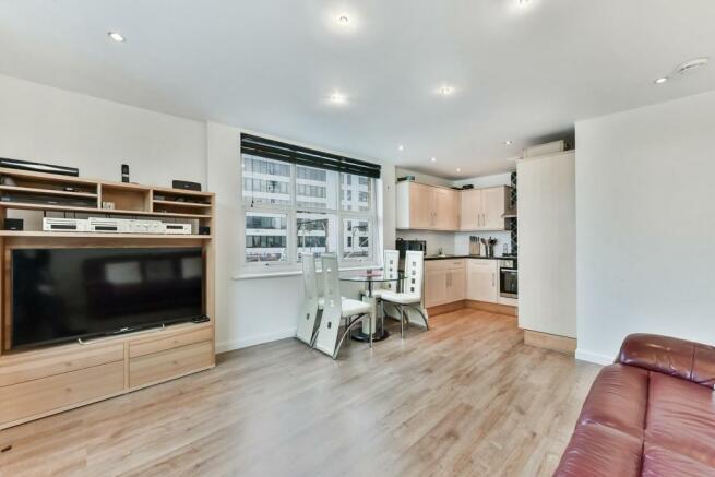 Reception / Kitchen (Open Plan)