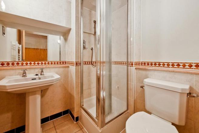 Mezzanine Level Shower Room