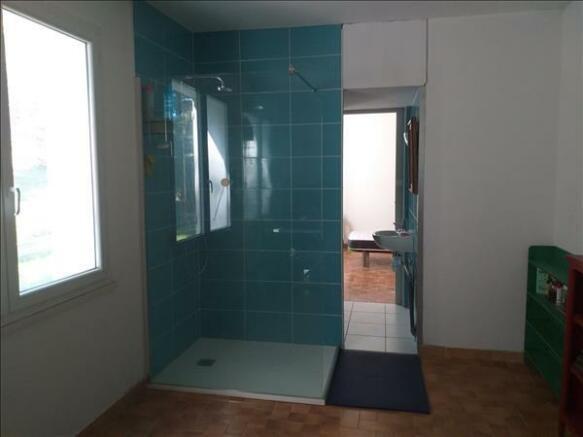 En-suite bathroom/SdB privée