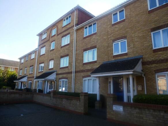 2 Bedroom Flat To Rent In Swan Mead Apsley Hemel