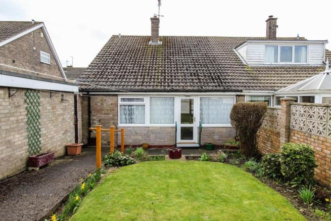 3 Bedroom Semi Detached House For Sale In Danescroft