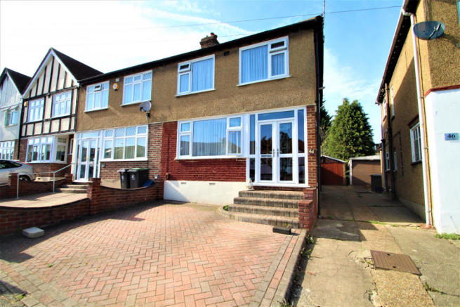 Large Three Bedroom Property In Loughton