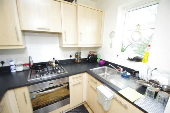 2 Bedroom Flat For Sale In Woodview Court Grandfield Avenue