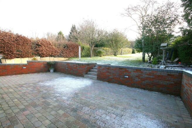 Winter Patio & Rear Garden