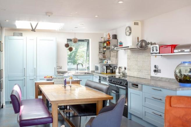 modern 5 bed townhouse in Calton Gardens Widcombe