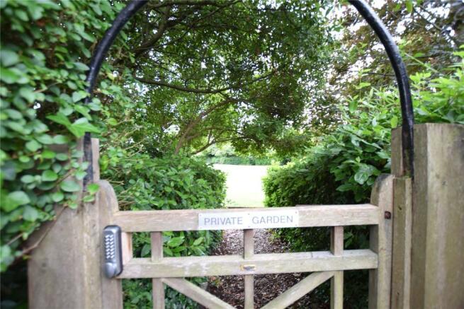 Private Park Gate