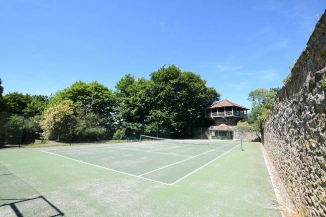Communal Tennis