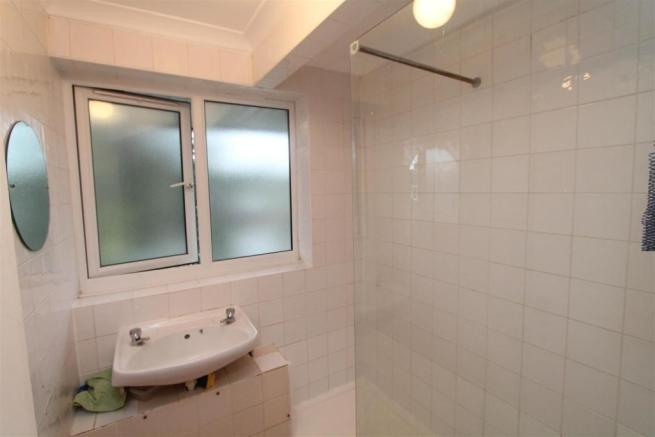 Goldings Shower Room.JPG