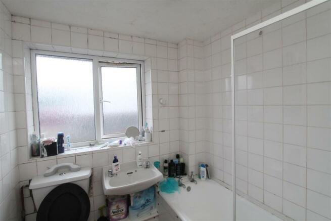 Comet Bathroom.JPG