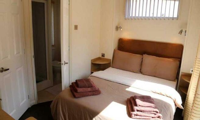 bedroom17b.jpg