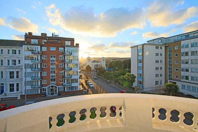 2 bedroom apartment for sale in Compton Street, Eastbourne, BN21