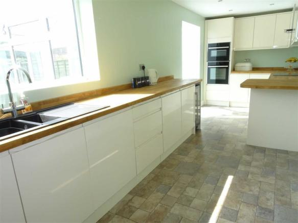 Luxury fitted breakfast kitchen (rear)