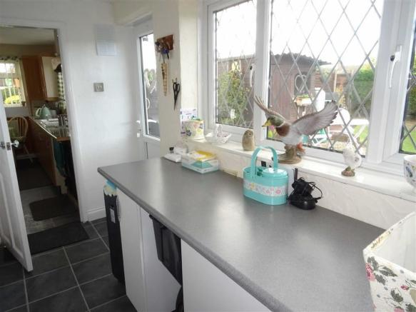 Modern spacious kitchen (side)
