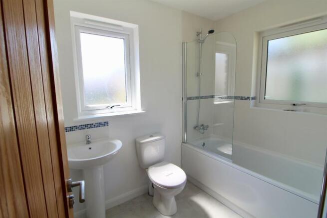 1 Olivers Yard, Bathroom.jpg