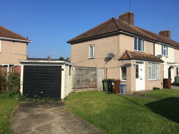 38635b30405 3 bedroom end of terrace house to rent in Wren Gardens, Dagenham, RM9