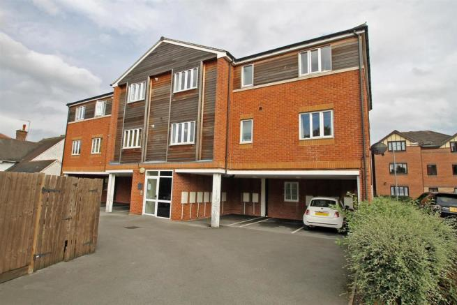 2 bedroom apartment for sale in Pines Court, Mansfield ...