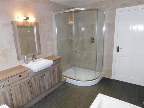 Bath Shower Room 2