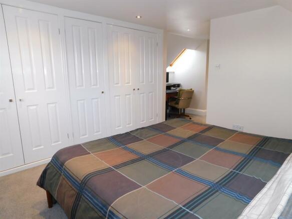 Master Bedroom x1