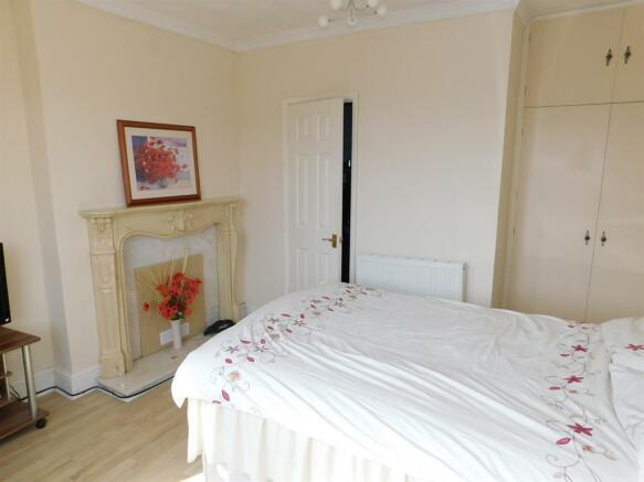 Gr Bedroom b