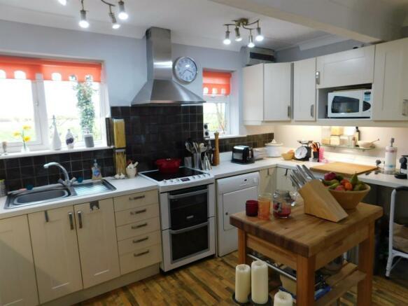 Bungalow - Kitchen