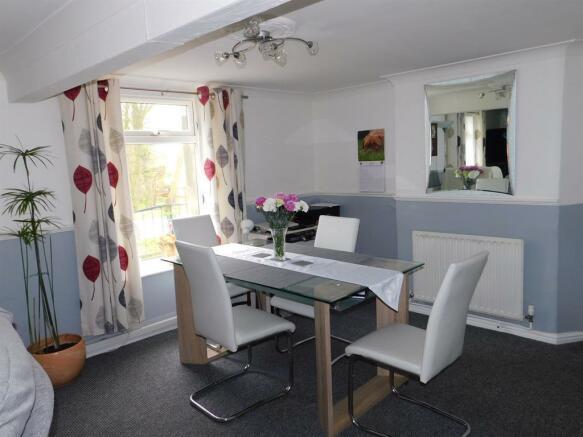 House - Lounge Diner