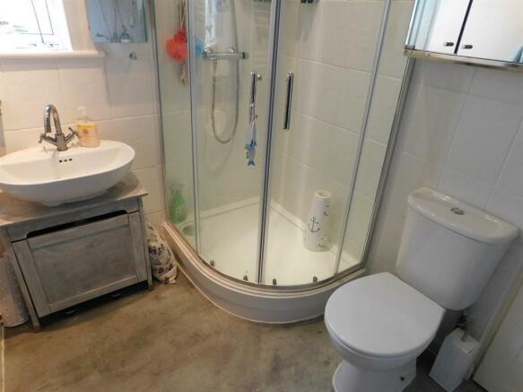 Bungalow - Shower Room
