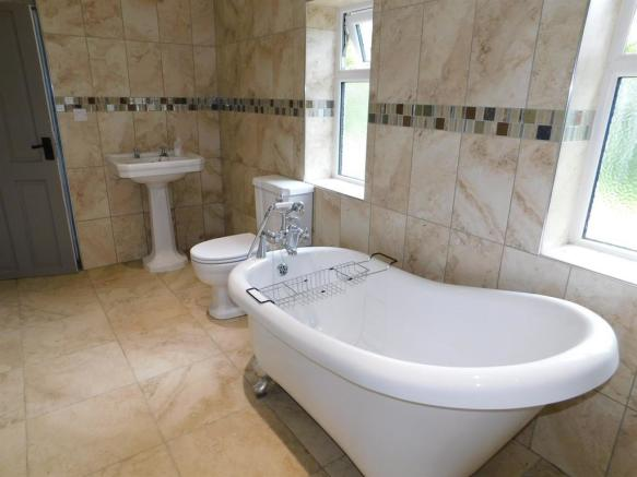 Ground Floor Bath/Shower Room 3