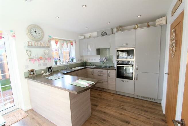 Open Plan Kitchen Diner (1)