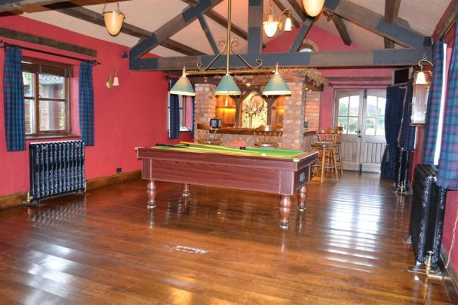 SNOOKER ROOM 3.jpg