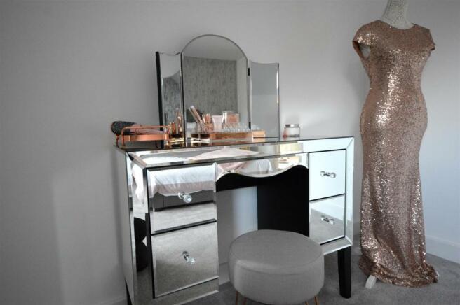 Dressing table.JPG