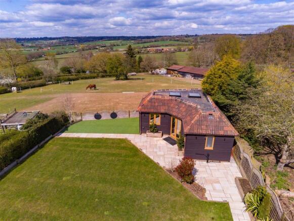 3 Hilltop cottages  aerial (19).jpg