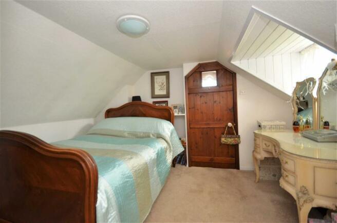 2ND BEDROOM/ DRESSING ROOM